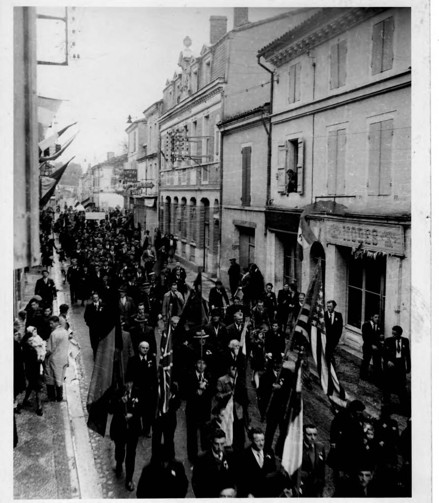 Défilé lors de la Libération de Valence d'Agen
